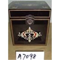 wooden jewelry/gift case