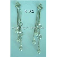 earring with pearls