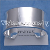 fashion desinger jewelry: silver bangle