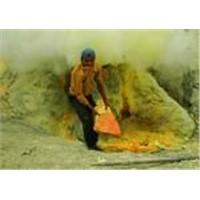 Available Bright yellow Sulphur powder,Sulphur lumps, Sulphur granule 99.5 % - 99.9% Min
