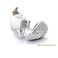Crystal heart usb flash drive