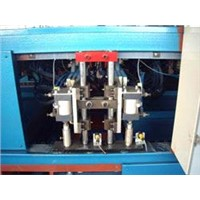 Terrestrial heating row welded wire mesh panel machine