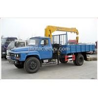 Dongfeng Gasoline Truck with Loading Crane