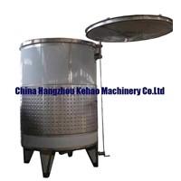 Floating lid wine tanks