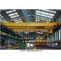 overhead crane with magnet for auxiliary hook