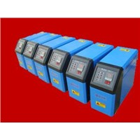 Rapid mold temperature control in injection molding by using steam