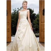 2011 Cheap New Style Hot-Sale Cream V-neck Pleated Wedding Dress