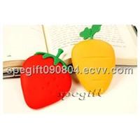 cute designed silicone key bag  strawberry silicone key holder