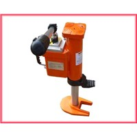 Hydraulic revolving toe jack features