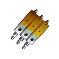 Precision dispensing valve