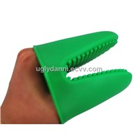 Silicone glove for cooking plastic kitchenware