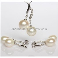 Silver Natural Pearl Pendant Earrings Set with Zircon