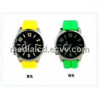 2013 New Popular Cheap Wholesale Price Trendy Silicone Sport Watch