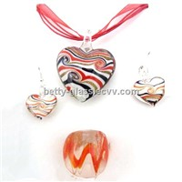 Top Rated Glass Beads Jewelry Glass Necklace Dark Red Glass Heart Pendant