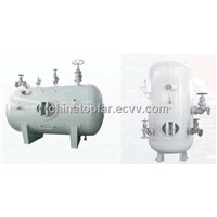 Air receiver and foam tank for ship