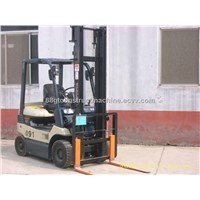 used Toyota 1T forklift