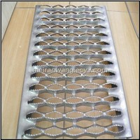 perforated metal stair treads/Anti skid perforated stair treads