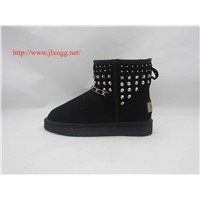 Sheepskin wool-one, rivet and metalchain snow boots for women