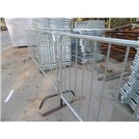 detachable bridge foot Classic barricade interlocking steel barriers  made of thick 16-gauge tubing