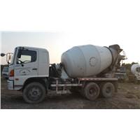 Hino  used  concrete mixer truck (9 CBM )
