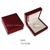 Shiny varnish wooden medal box(B0088)