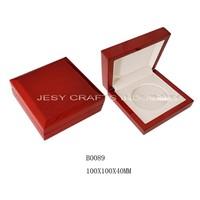 Oak pattern shiny lacquare wooden medal box