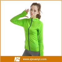2016 Latest type seamless sportswear breathable women running hoodies with zipper and hat