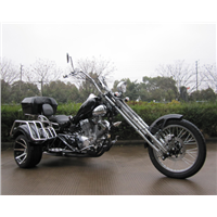 V-TWIN CRUISER STYLE TRIKE MOTORCYCLE