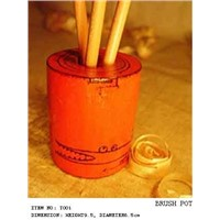 WOODEN BRUSH POT