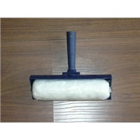 Paint Roller with spatter shield