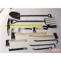 shovel, hammer, crow bar, wrecking bar, pickaxe, felling axe, axe head, hoe, saw and handles, etc