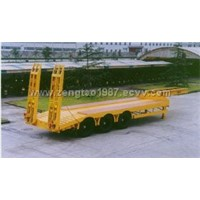 Low flatbed semi-trailer