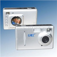 Digital Camera w/ 4Megapixel 1.1 inch Display