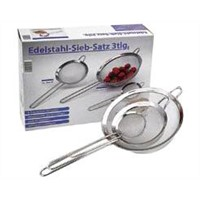 stainless broadbrimmed strainer