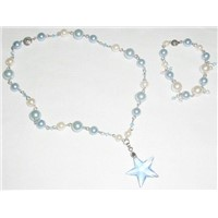 Pearl Necklace with Crystal Penden