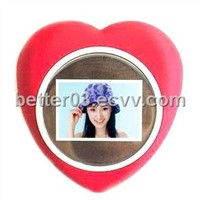 1.5'' Red Heart Digital Photo Frames