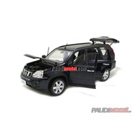 Gift 1:18 Nissan X-Trail Mini Car Plastic Model