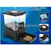 Cats & Dogs Feeder