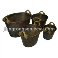 Oval tin bucket W/rope handle