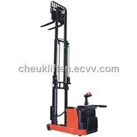 Power Reach Stacker CY Series