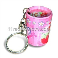 Small gift tin with chain
