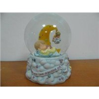 Lullaby water snow globe