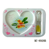 heart-shaped hourglass photo frame