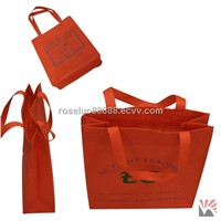 Packaging bag, make of non-woven