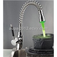 Single Handle Pull Out LED Kitchen Faucet(L-4017)