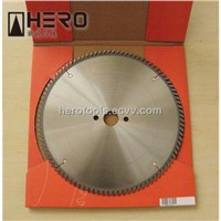 Circular saw blade for universal use