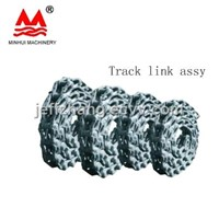 Excavator track chain link assy D50
