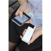 Unversal battery charger for iPhone/iPad/iPod/Smartphone
