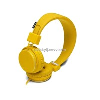 Colours  headphones and earbuds  with mic  volume controler