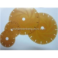 Diamond saw blades with vacuum segments